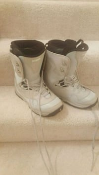 Womens size 10 snow boots liquid sirrus Centreville, 20120