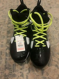 Football cleats Duvall, 98019