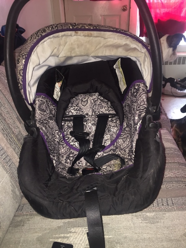 8ff29f19b77 Used baby s black and pink car seat carrier for sale in Sudbury - letgo