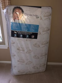 White and blue floral mattress McLean, 22102