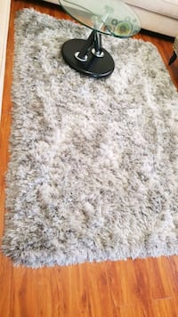 white and brown area rug London, N5Z