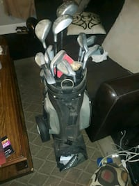 Set of Knight golf clubs