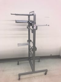 Retail hanger stand on wheels