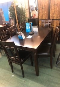 Get It Now In Time For Thanksgiving. Table & 6 Chairs On SALE New York, 11210