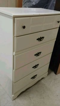 white wooden 5-drawer chest Laval, H7X 3E4