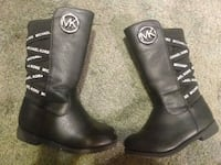 Toddlers Micheal Kors boots  Pittsburgh, 15210