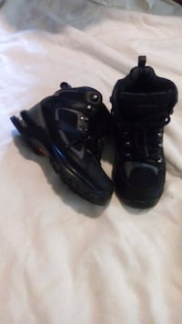 pair of black Nike Air Foamposite shoes Manchester, 03102