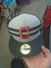 gray and black C 59FIFTY fitted cap