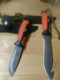 Two brand new hunting ..knifes 376 mi