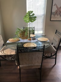 Glass dinning table (with the chairs) Arlington, 22206