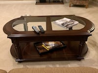 Solid wood and glass coffee table  Herndon, 20171