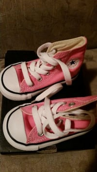 Brand new Chuck Taylor All Star Pink size 4T Toronto, M3K