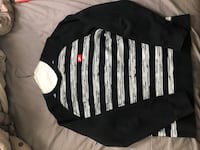Nike Long sleeve sweater  Toronto, M2J 1L6