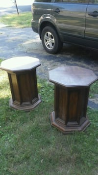 two brown wooden side tables Waldorf, 20601