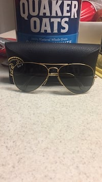 Brass frame black lens RayBan aviator sunglasses with case Silver Spring, 20904