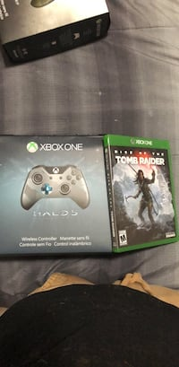 Xbox One game case and controller 58 km