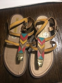 pair of brown-and-red sandals El Centro, 92243