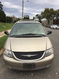 Chrysler - Town and Country - 2003 Philadelphia, 19149