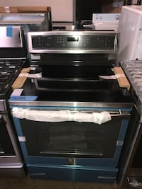 Induction electric stove 30in brand new 6 months warranty