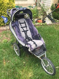 baby's black and gray jogging stroller Springfield, 22152