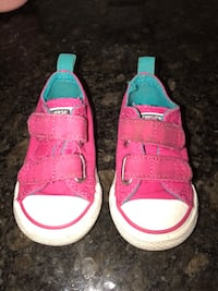 toddler's pink-and-white sandals