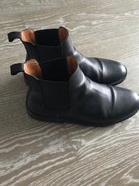 Genuine leather Chelsea boots  Toronto, M5V 1S7