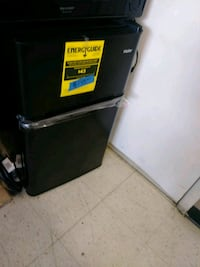 Small top and battom refrigerator excellent condit Baltimore, 21223