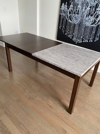 Dining table expandable