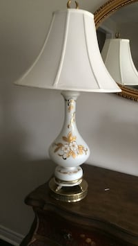 Table lamp nice clean tall in very good shape Brampton, L7A 4M8