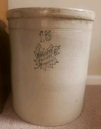 Antique Crock  Bluffton, 29910