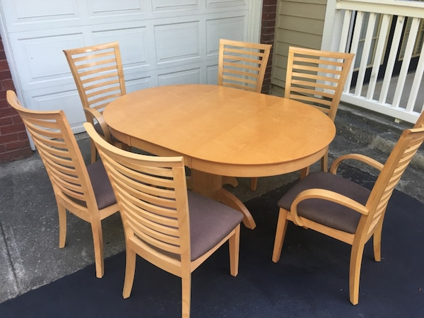 Extendable Dining Table 6 Chairs Like New