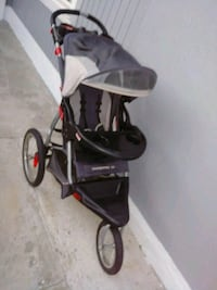 baby's black and gray jogging stroller Bloomington, 92316