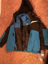 Brand new 3 in 1 winter toddler jacket. It is a size 4 toddlers.  Pick up nw 10th and May at 7-eleven  Oklahoma City, 73104