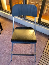 Wooden Bar Stool. Mint condition  Toronto, M6P 2T3