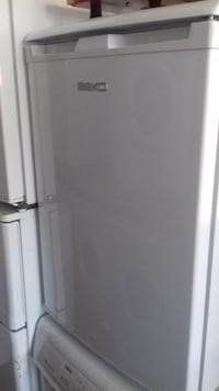 BEKO undercounter fridge for sale, in fully working condition (4) Greater London