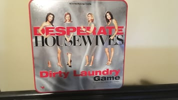 DESPERATE HOUSEWIVES Dirty Laundry Board Game..
