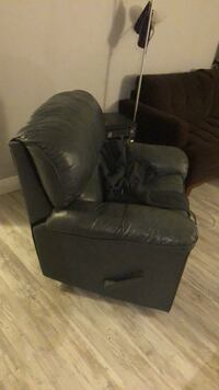 used leather recliner sofa chair Miami, 33133