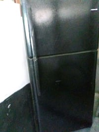 black top-mount refrigerator Chesapeake, 23320