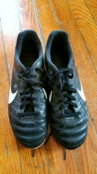 Nike Soccer Shoes size 4