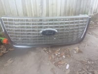 2005 Ford Expedition Grill