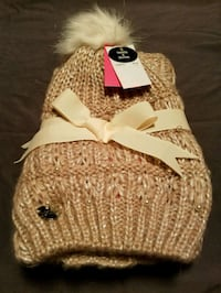 Betsey Johnson snood and beanie. Keansburg, 07734