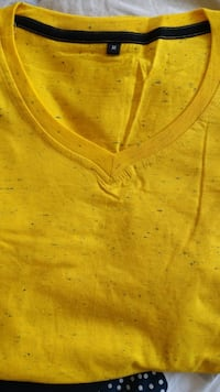Medium Yellow Tshirt Toronto, M2M 4R3