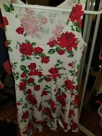 women's white, green, and red floral scoop-neck sleeveless dress Port Coquitlam, V3B 2E4