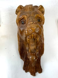 Carved wooden lion Valencia, 91354