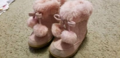Toddler size 6 pink boots