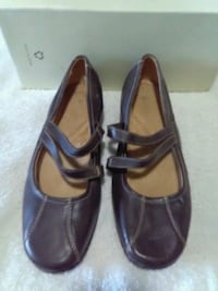 Brand new size 8 brown leather neutralizer shoes$8 Spartanburg, 29303