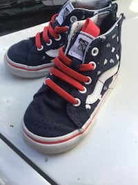 pair of black-and-red high top sneakers Long Beach, 90805