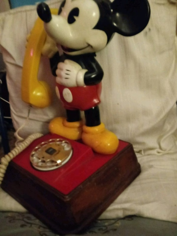 1976 vintage Mickey Mouse phone