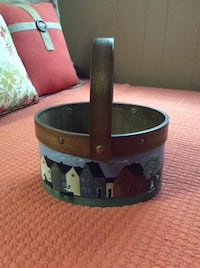 Well made wooden Decor basket Otonabee-South Monaghan, K0L