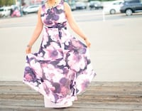 Size 10 women's dress. Just worn once for photo shoot. Colors look diff in diff light settings. Dublin, 94568